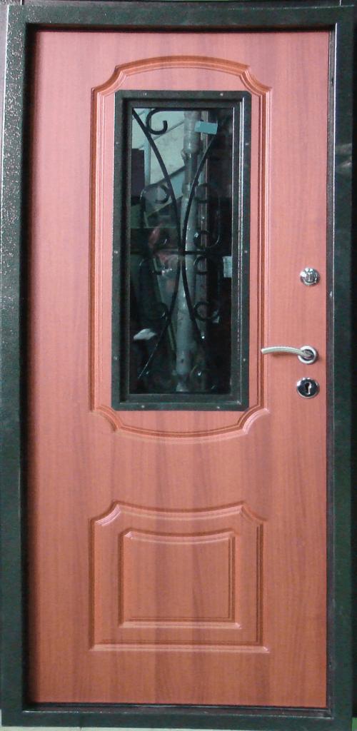 стальные двери с элементами ковки и со стеклопакетом