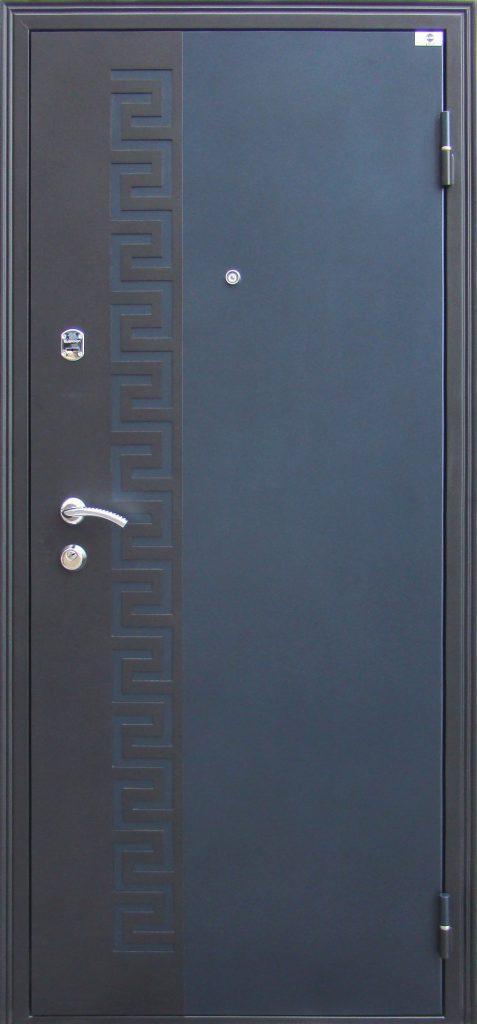 Входная дверь в квартиру «Волга»